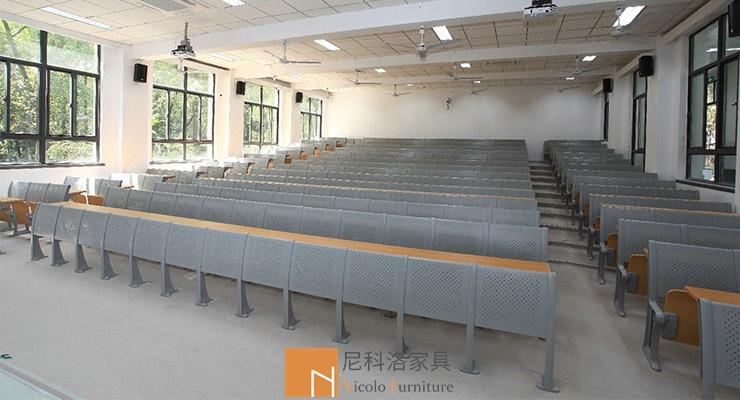 南京大学阶梯教室固定课桌椅