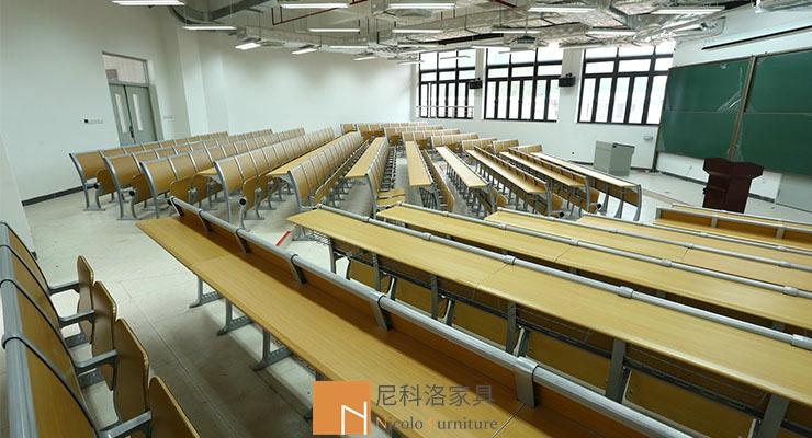 广州华南理工大学阶梯课桌椅案例
